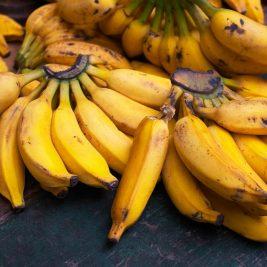 a bunch opf bananas