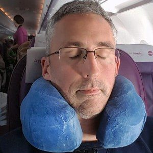 travel pillow featured image