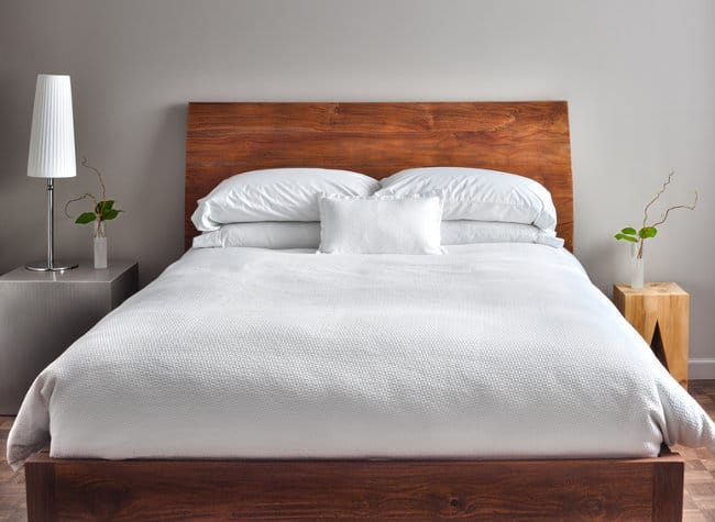 photo of a clean, beautiful and modern bedroom