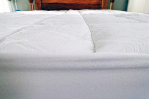 the slumber cloud mattress pad set up on my bed