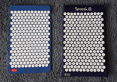 comparison of the spoonk mat and spoonk acu-om mat