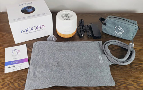 photo of the box and all the parts of the moona pillow pad